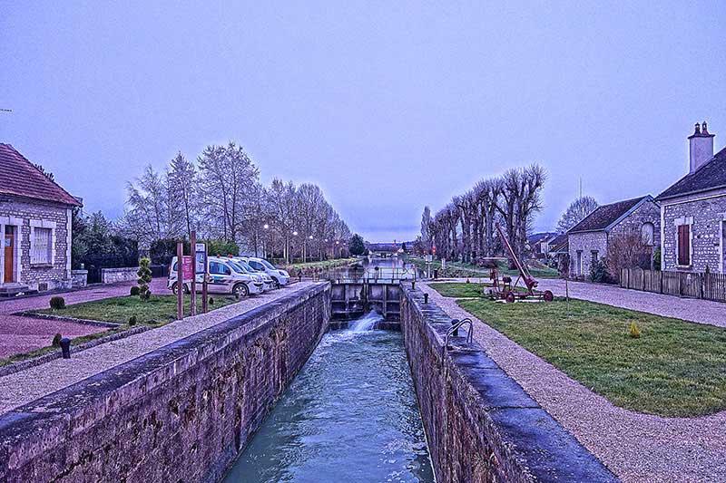 Der Kanal in Tonnerre