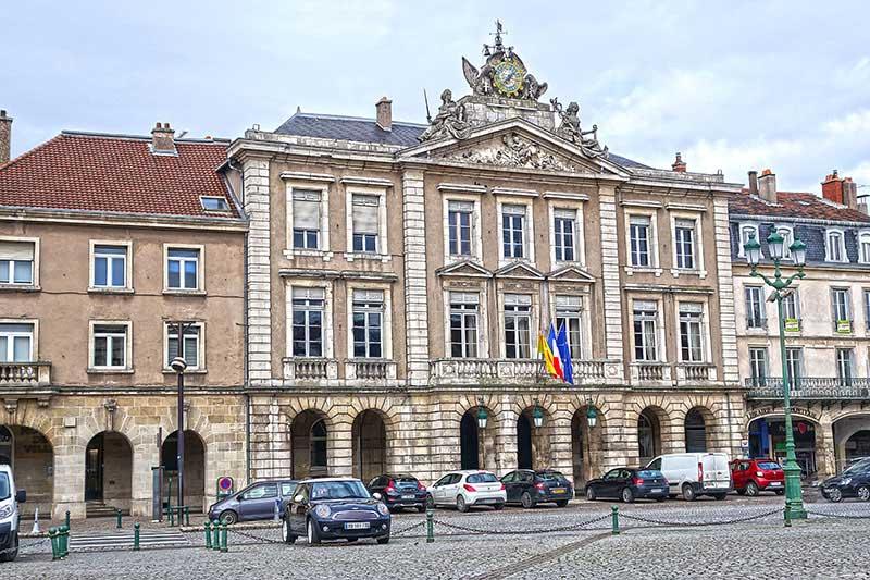 Das Rathaus von Pont-a-Mousson