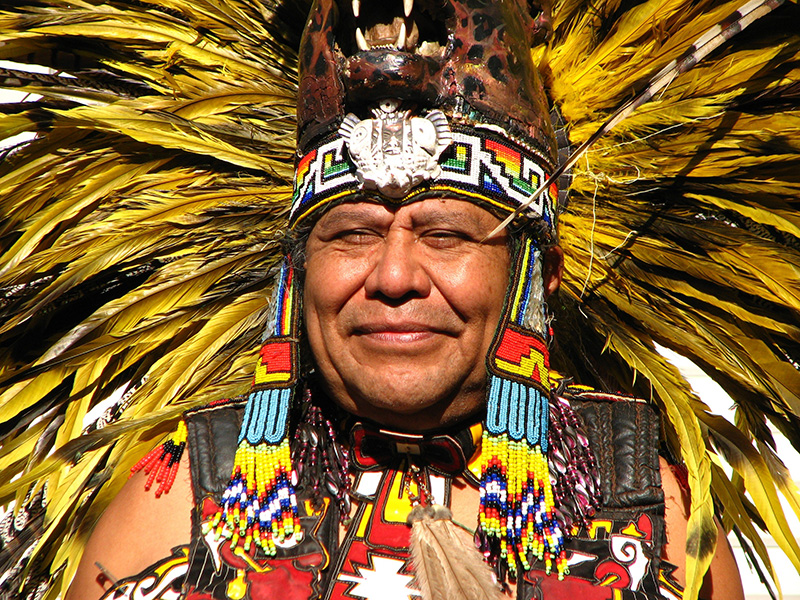 Der Stammesälteste - Häuptling und Schamane
