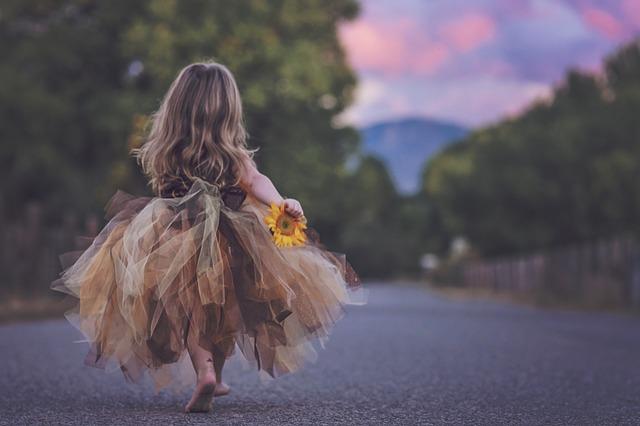 Wenn wir die Traumata unsres inneren Kindes lösen, bekommen wir die Unbeschwertheit underer Kindertage zurück.