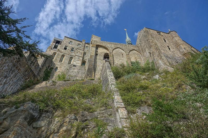 Die Festungsmauern von Mount Saint Michelle