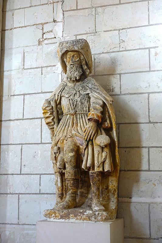 Statue eines Wandermönches
