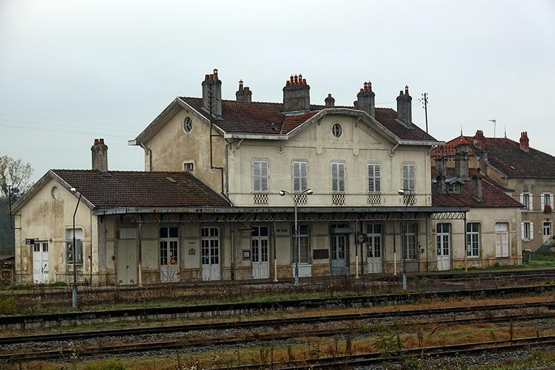 der alte, verlassene Bahnhof