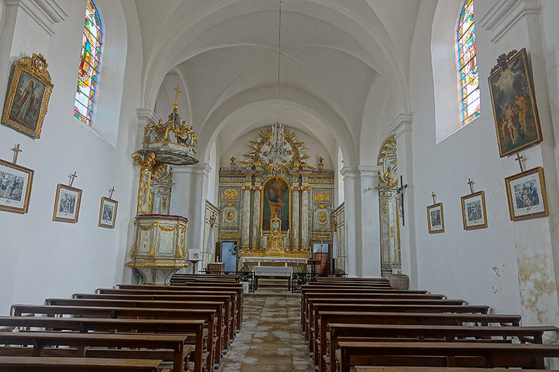 Eine typisch Französische Dorfkirche