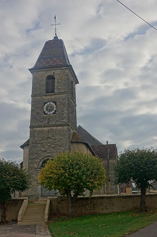 Das Dach der Kirche wird von einem Mosaik geziert.