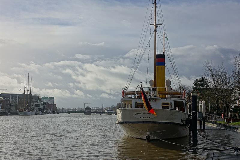 Die Segelschiffe im Hafen wecken bereits wieder die Sehnsucht