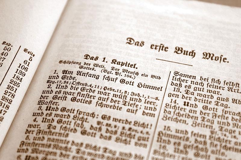 Bietet und die Bibel am Ende mehr Antworten als die Wissenschaft oder entscheiden wir uns nur zwischen zwei Irrwegen