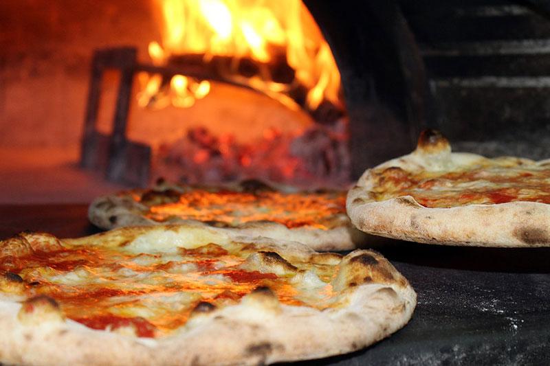 Pizza aus dem Steinofen gab es als Hauptgericht