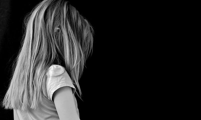Oft werden wir aufgrund äußerer Umstände gezwungen unsere Gefühle zu unterdrücken und gegen und zu handeln