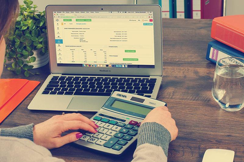 Kalkuliere deine Onlineeinkünfte um stets die Übersicht zu behalten